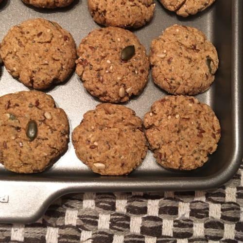 Biscotti da colazione integrali con semi misti