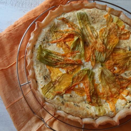 Torta salata con ricotta, menta e fiori di zucca