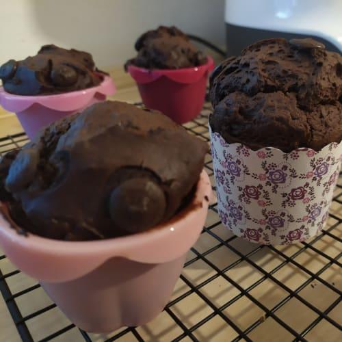 Muffin al cacao con gocce di cioccolato fondente vegan