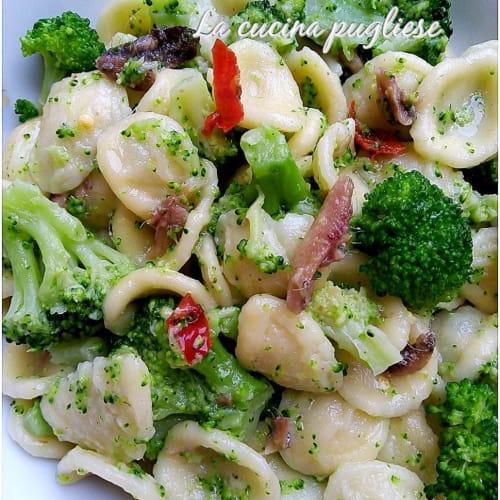 Orecchiette con i broccoli alla pugliese