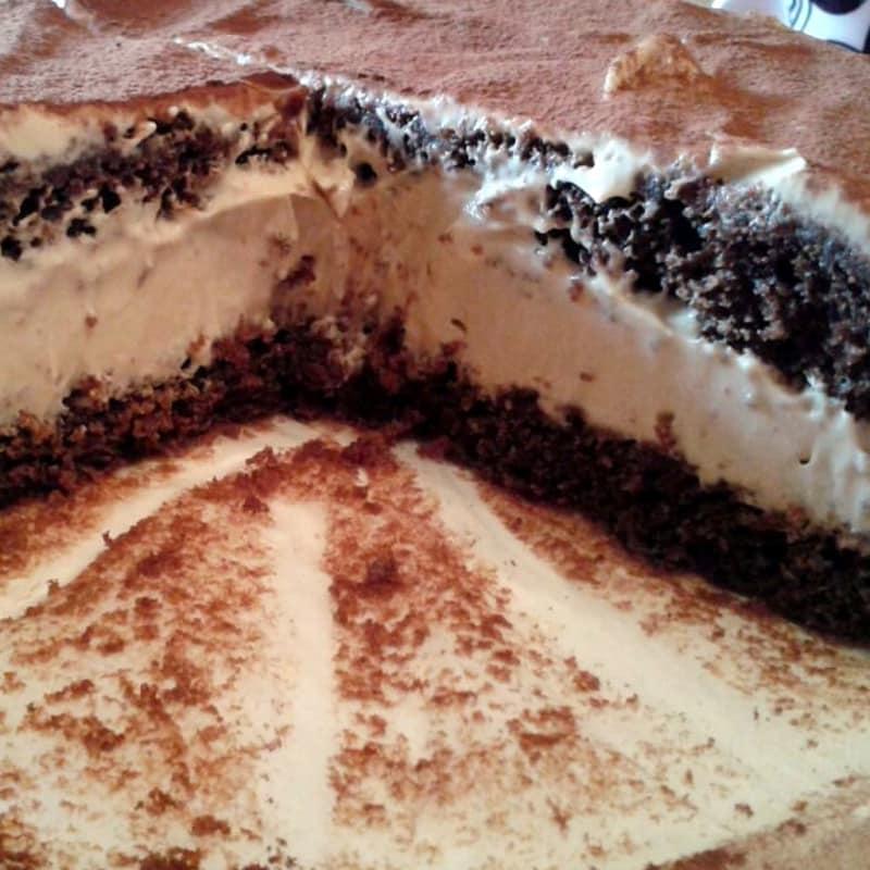 Torta al cioccolato con crema al mascarpone e caffè