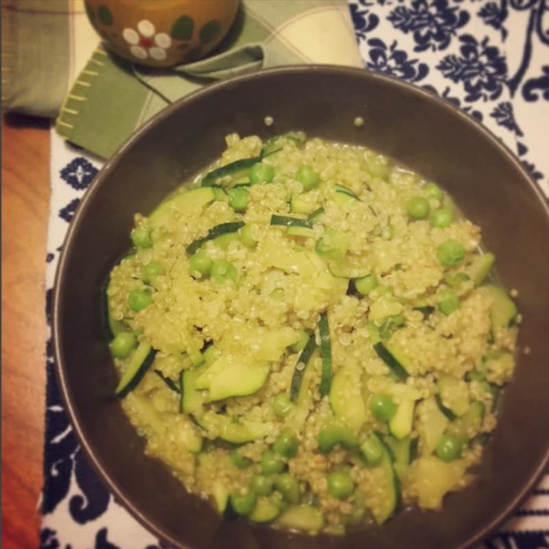 Quinoa soup, peas and zucchini