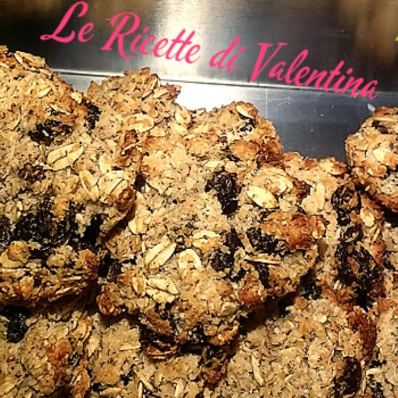 Biscotti dei campionicon cocco,uvetta e nocciole