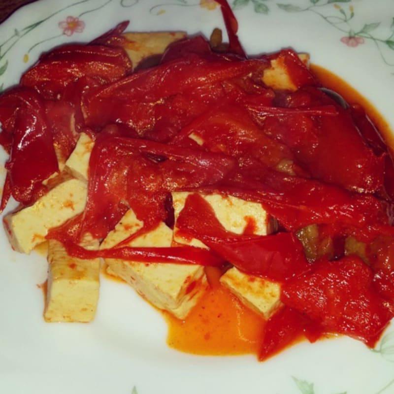 Tofu con pimientos