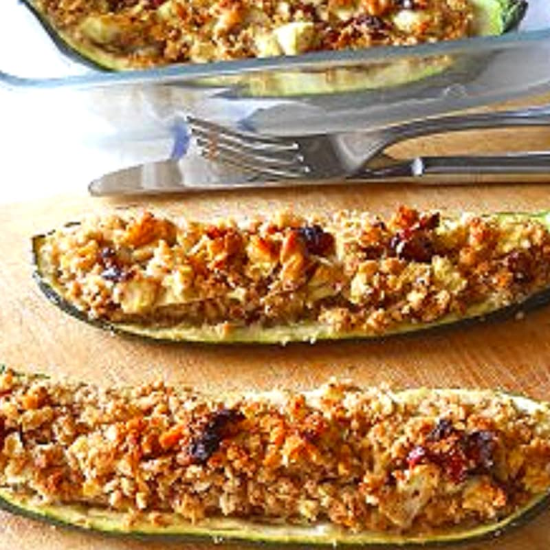 Zucchine vegetariane farcite al forno