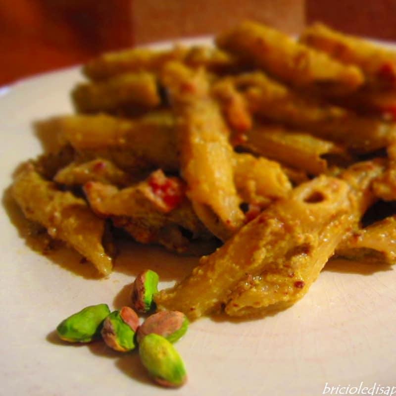 Penne con pesto fresco pistachos Bronte