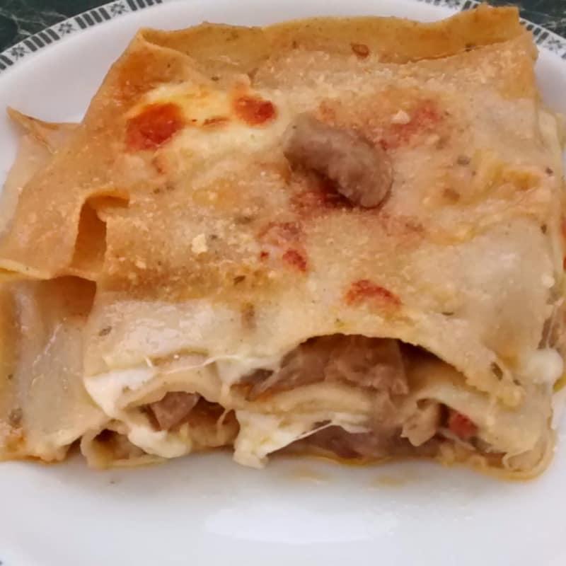 Lasagne con funghi senza uova con grano arso
