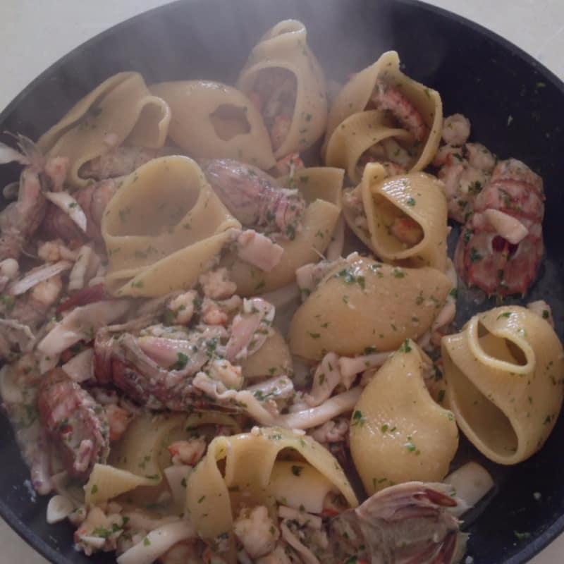 Lumaconi la salsa de pescado