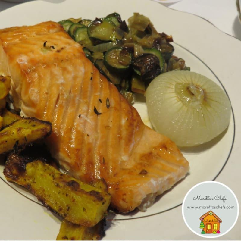 Salmón al horno con verduras salteadas con mantequilla de búfalo