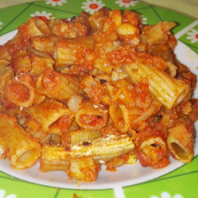 Macarrones con salsa de carne 'vegano especial