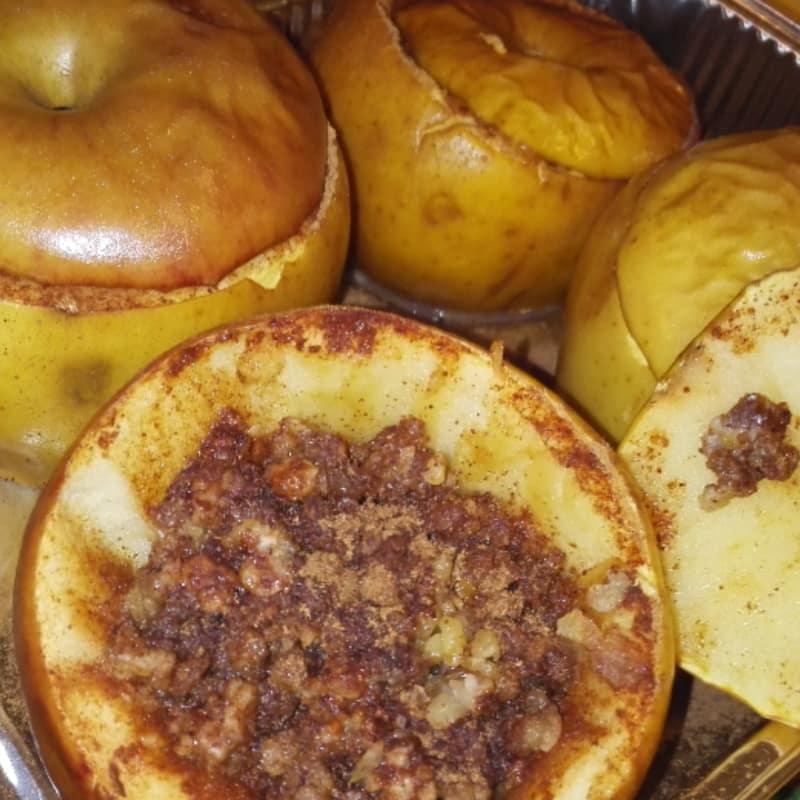 manzanas rellenas sanos, energía y azúcar