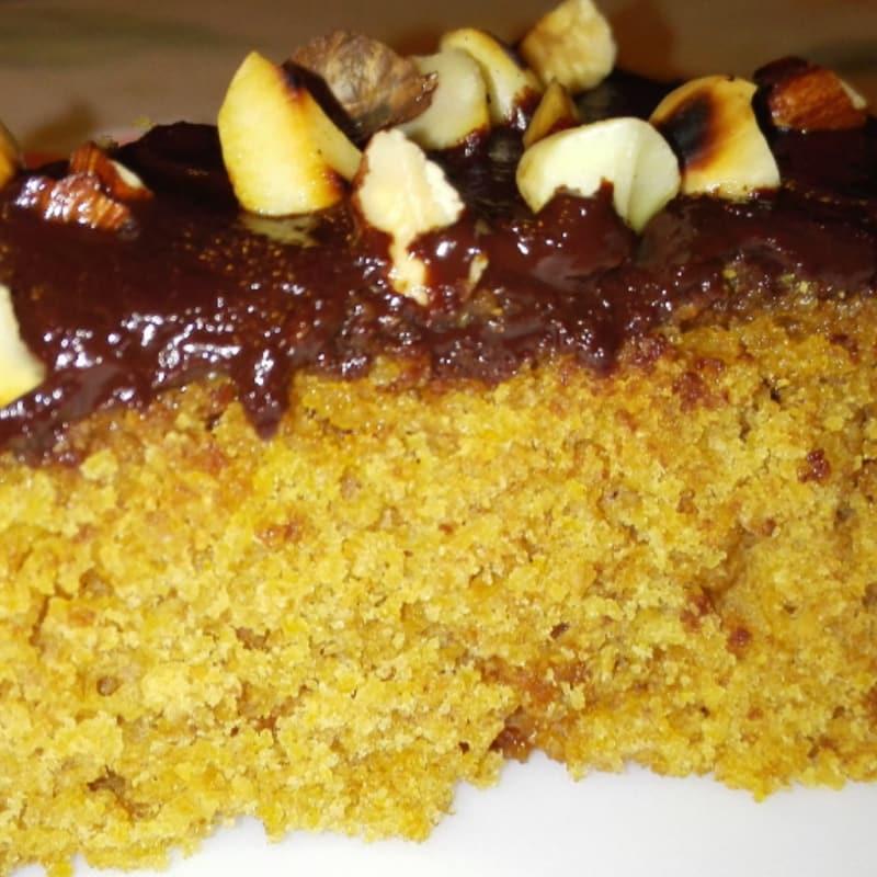 Vegana pastel de super suave de naranja y chocolate negro