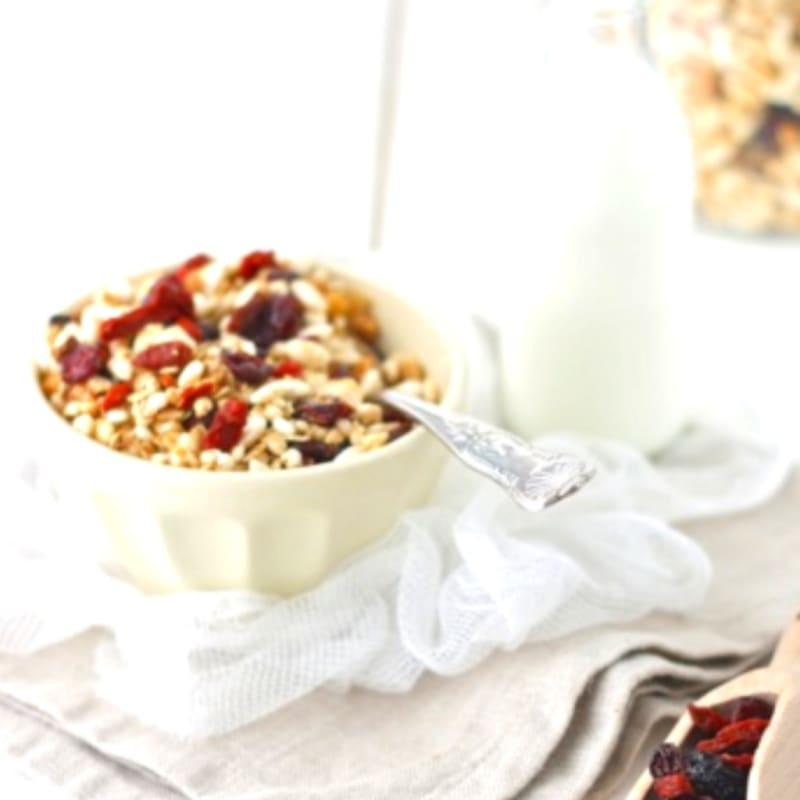 Granola nuts, red fruits, goji and almonds