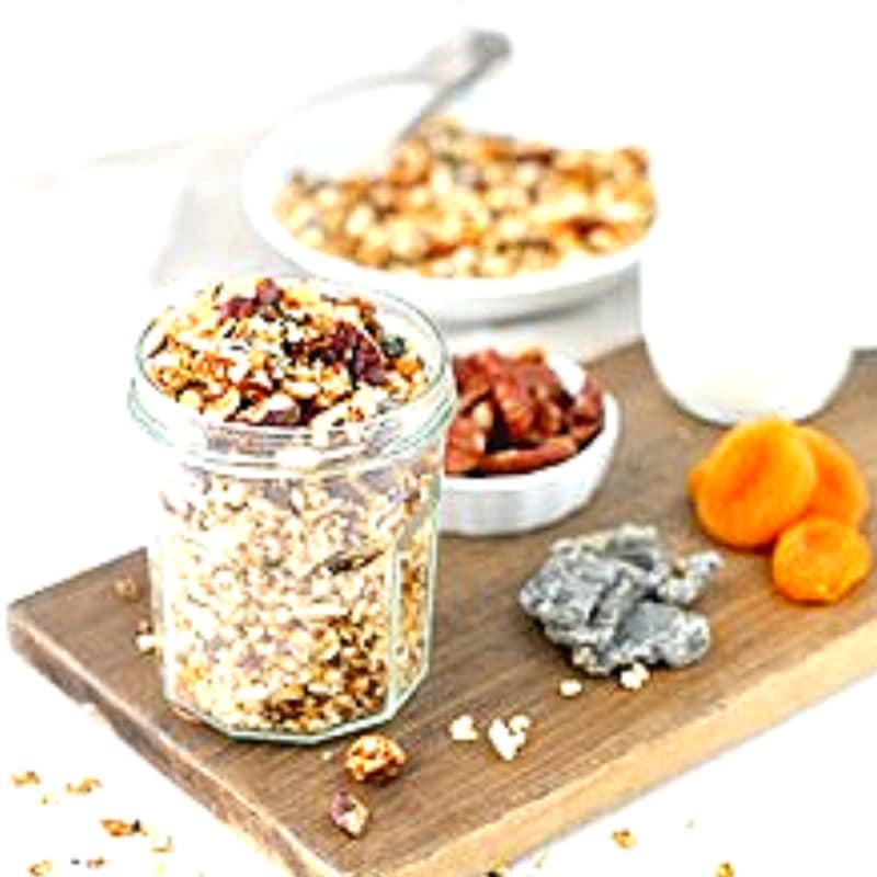 Granola con frutos secos con pitaya