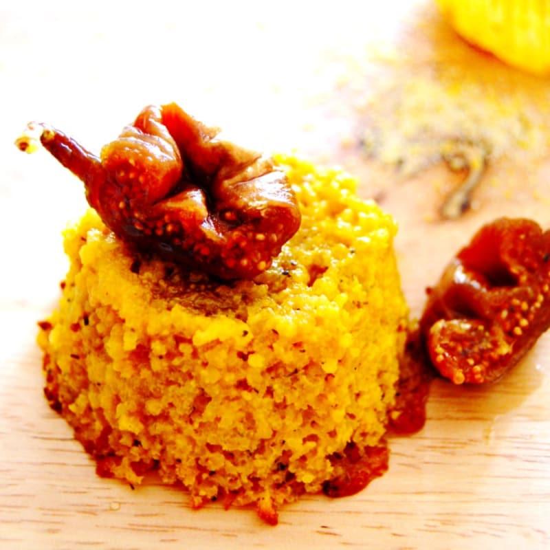Empanadas polenta y miel con los higos secos