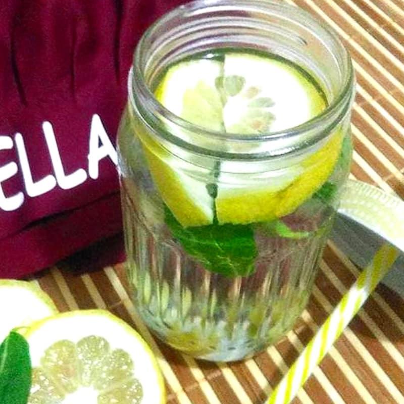 agua de desintoxicación