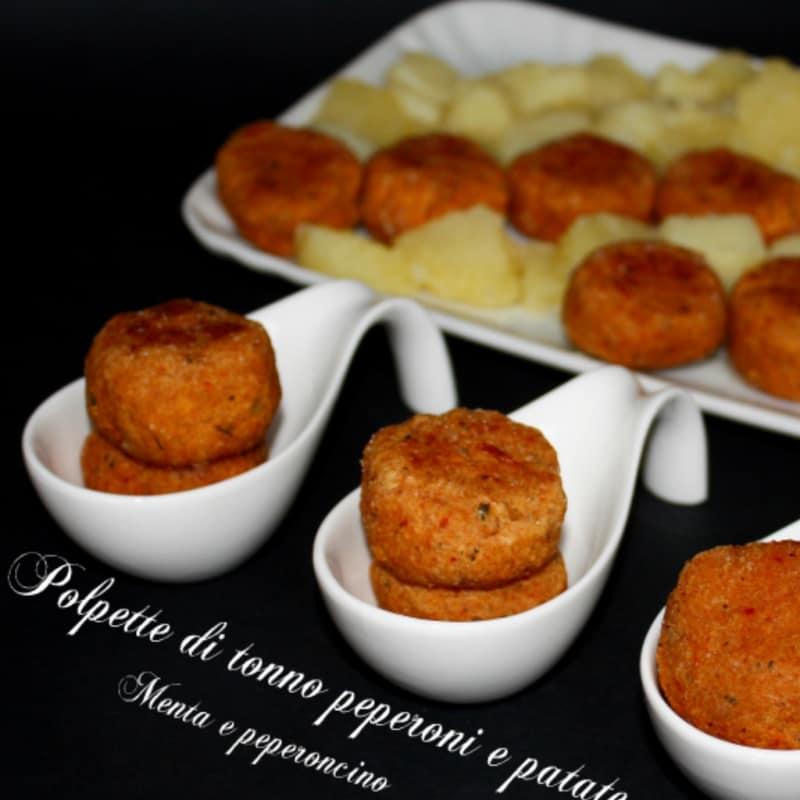 Albóndigas pimientos bonito y patatas