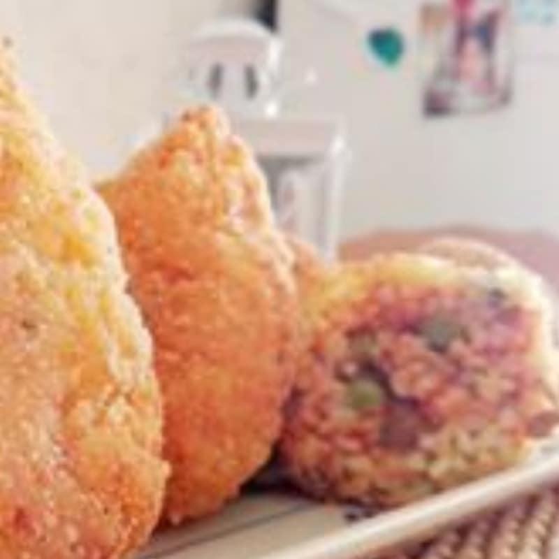 Arancini siciliani con ragù speziato di verdure
