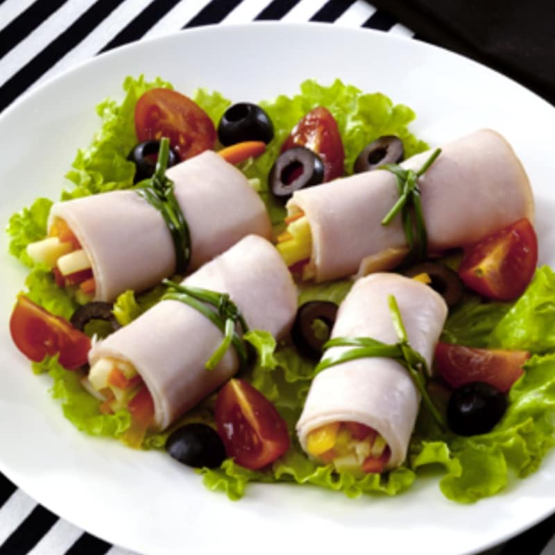 Rollos de pechuga de pavo con verduras