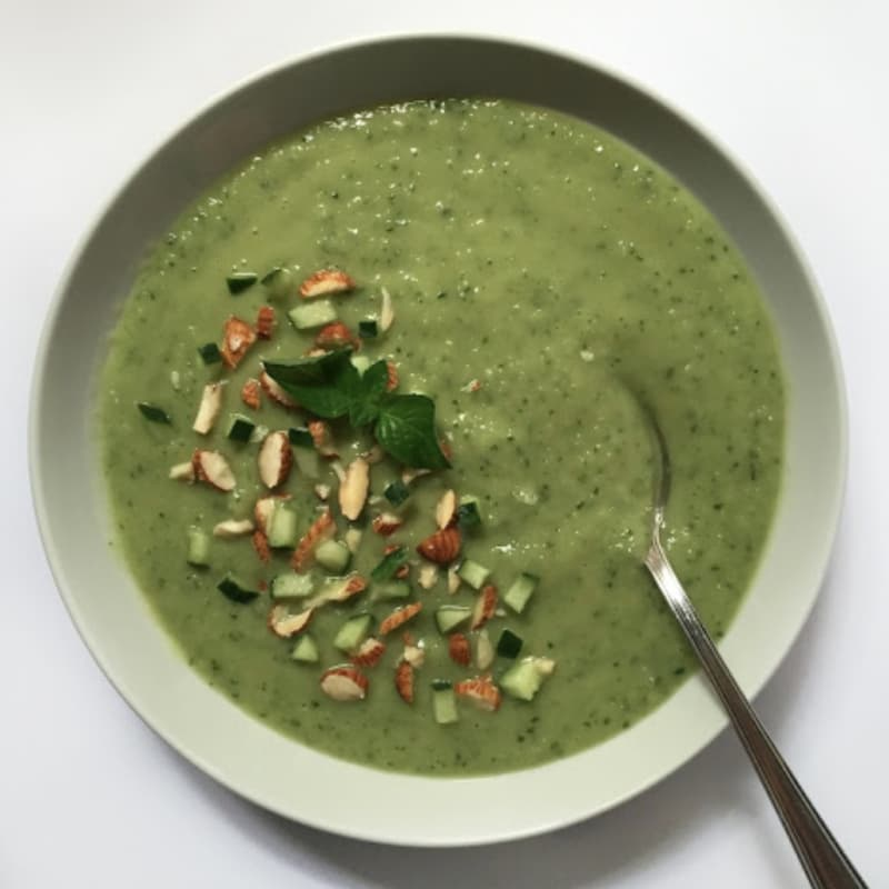 Gazpacho al cetriolo e avocado