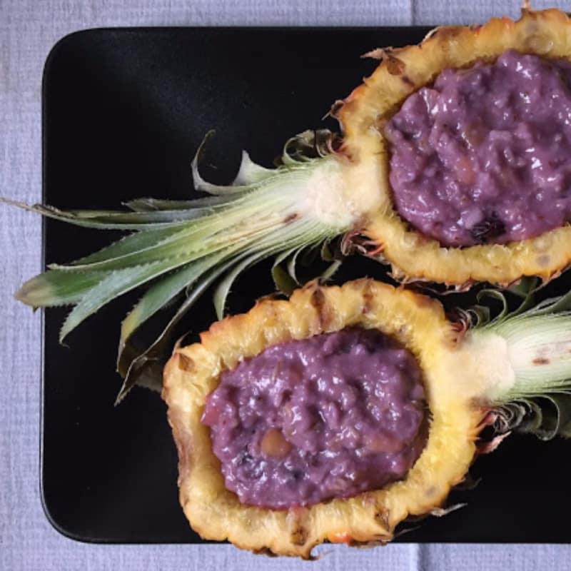 Las gachas de avena del arándano y piña
