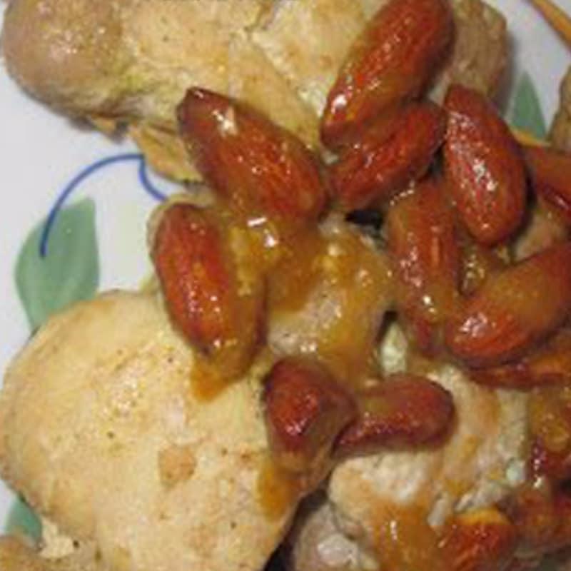 Mini spiedini di pollo e tacchino alle mandorle
