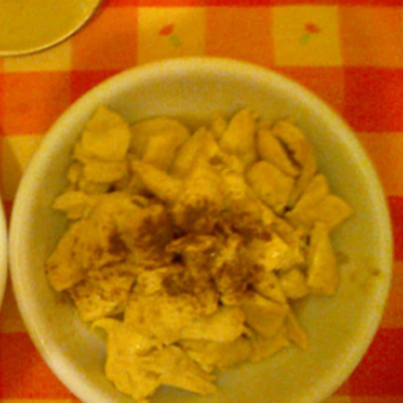 Petto di pollo al curry con mele e cipolla