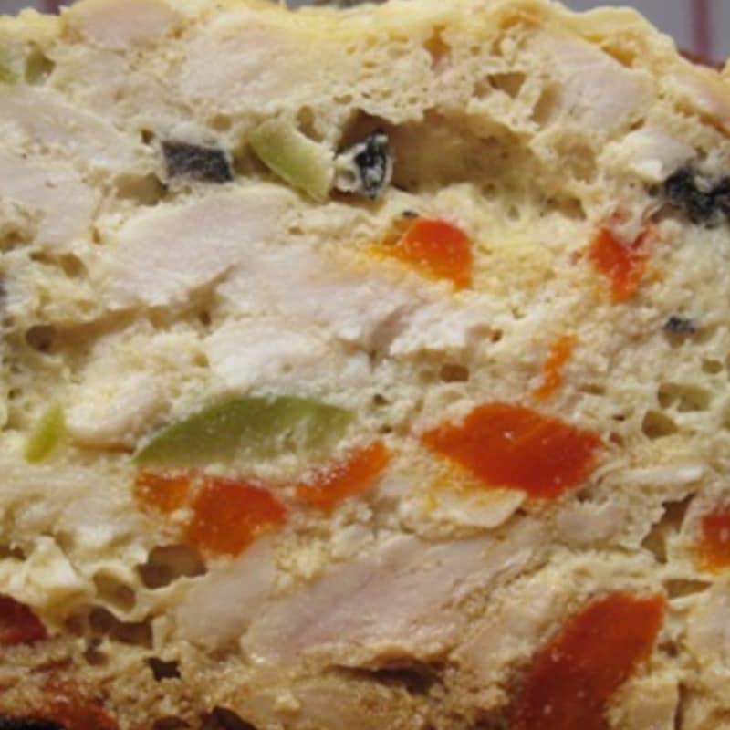 terrina de pollo con pimientos y aceitunas