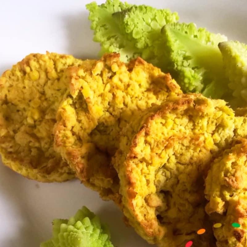 veganos y sin gluten Schiacciatine lentejas rojas y la col rizada