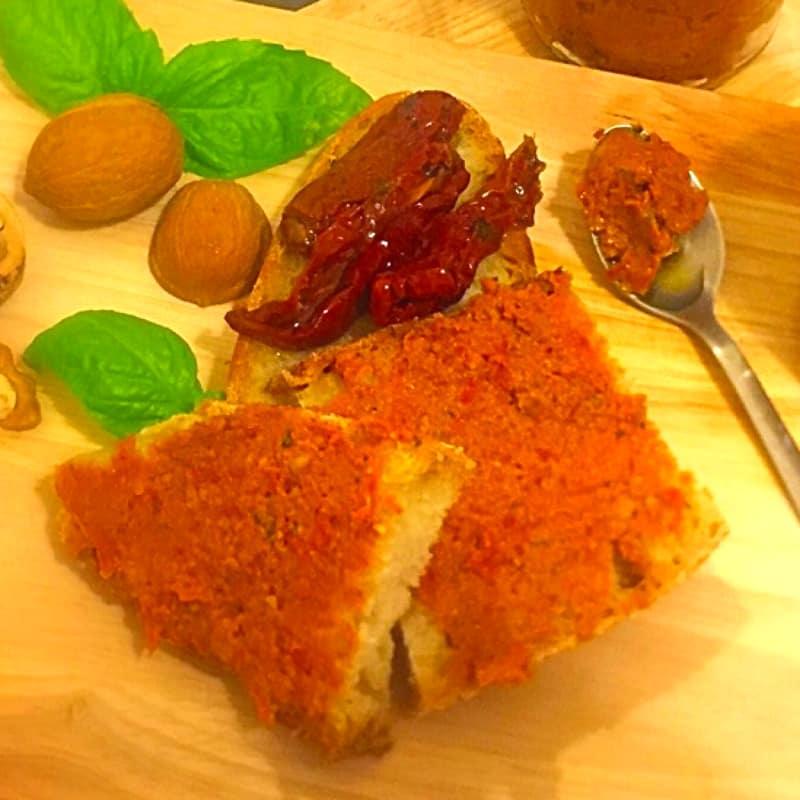 tomates secados al pesto y nueces