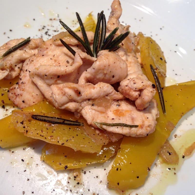 Straccetti di pollo al limone con peperoni