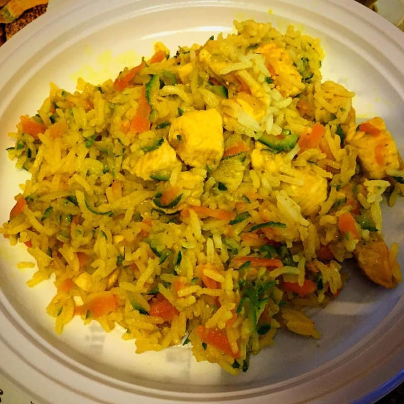 basmati rice with chicken, carrots and zucchini with turmeric