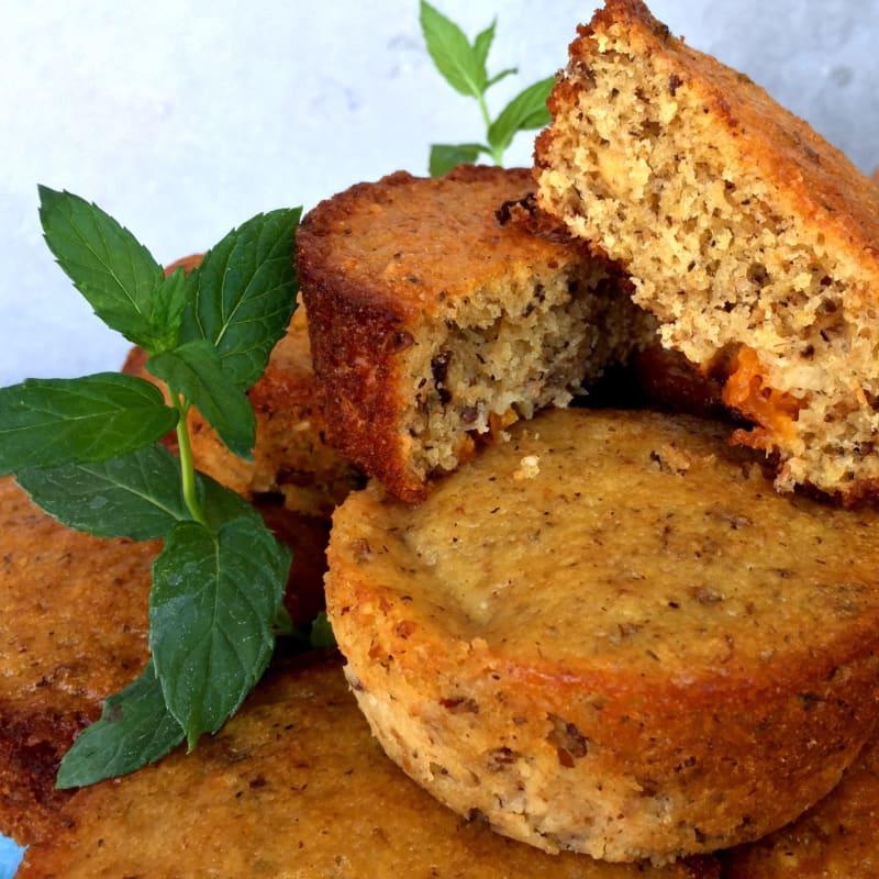 integrales Tortine con los albaricoques y frutos secos