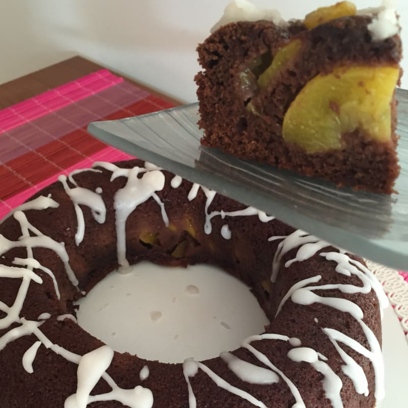 Bundt Cake with chocolate peaches