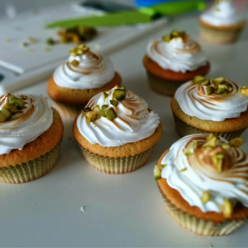 Cupcakes with pistachios