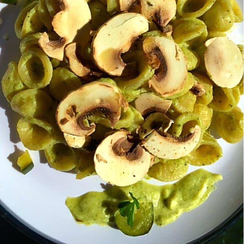 Orecchiette con crema alle zucchine e taleggio