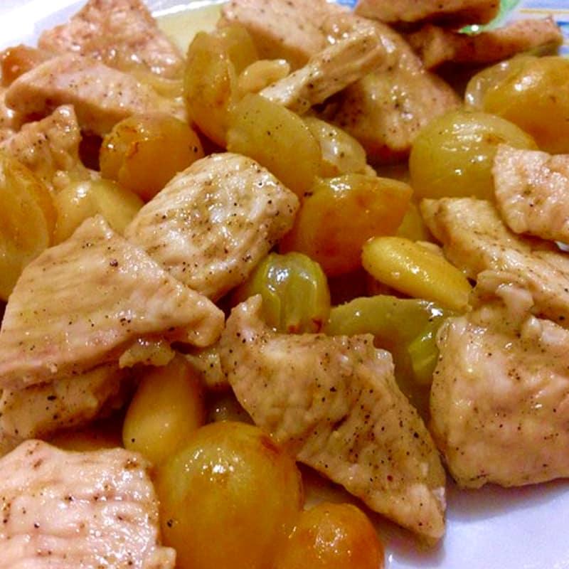 Bocconcini uvas jengibre pollo almendra