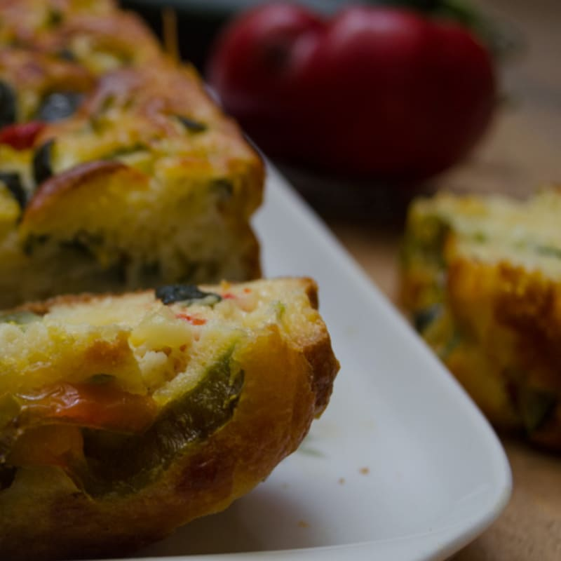Plumcake salted zucchini and peppers