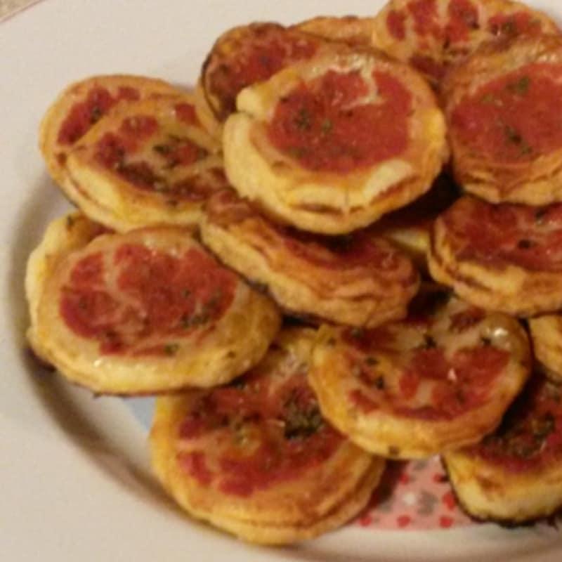 Pizzas pequeña masa de hojaldre