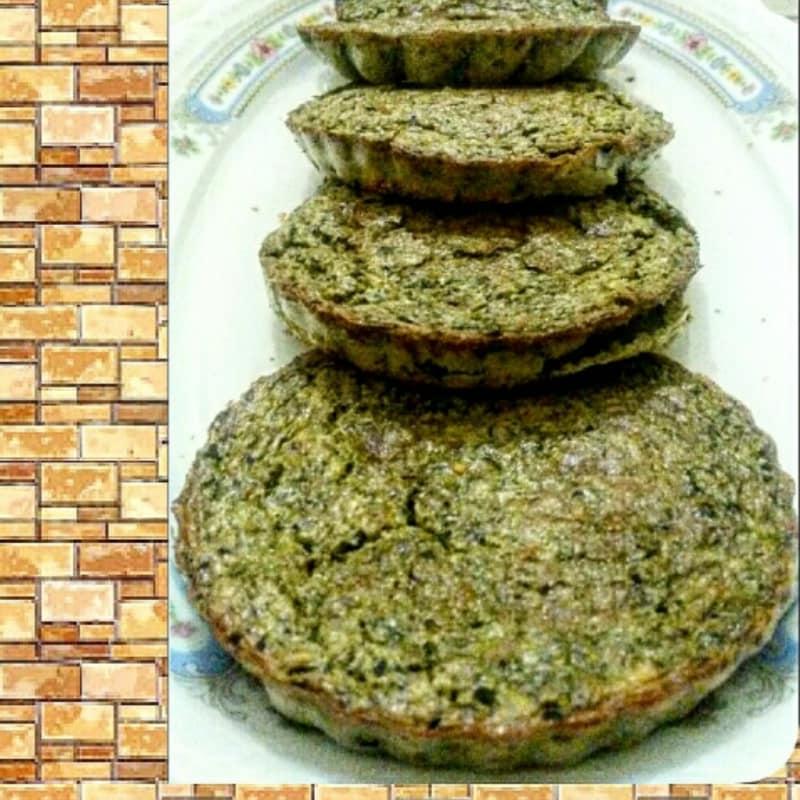 Tortas a base de harina de garbanzos con pesto