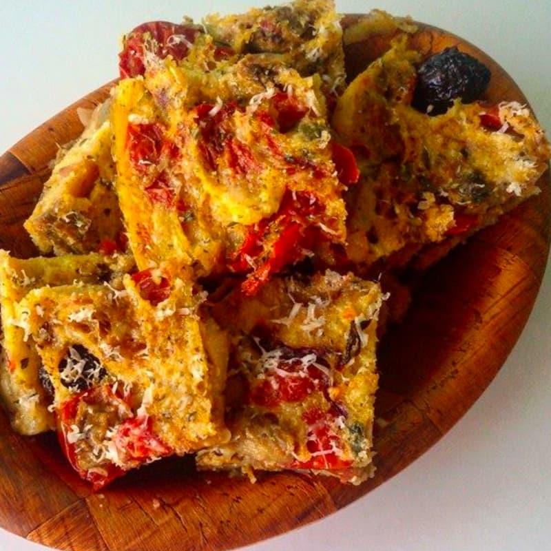 Cuadrados de polenta al Mediterráneo
