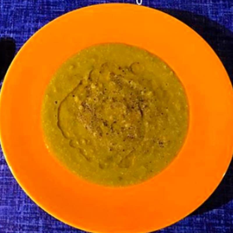 Crema de guisantes, avena y de curry