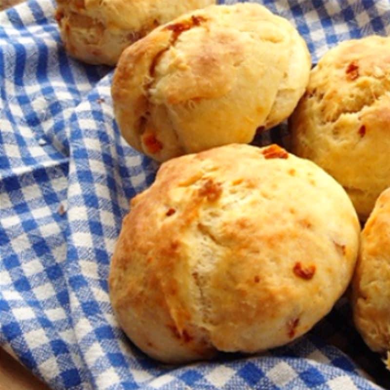 Paninetti con pomodori secchi