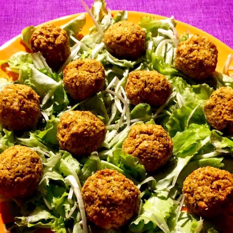 Polpettine di quinoa con ceci e broccoli