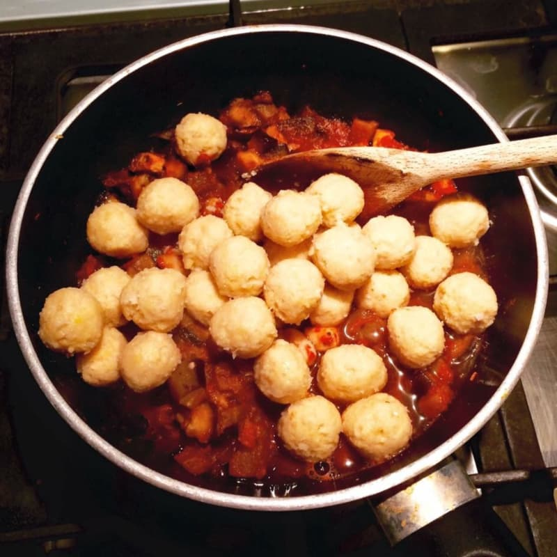 Gnocchi de garbanzos vegetariana y quinua