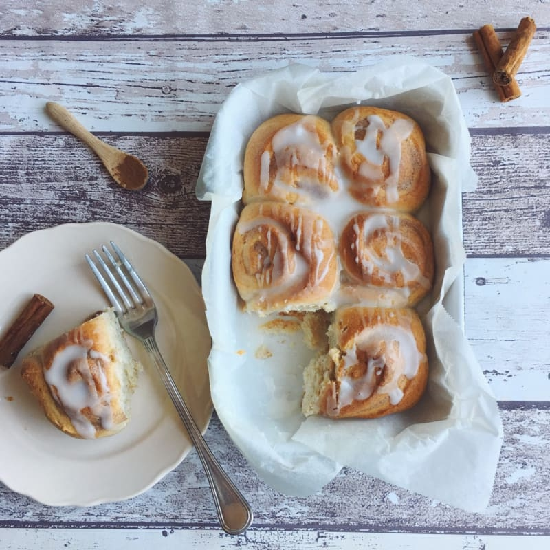 Cinnamon rolls vegan spelled