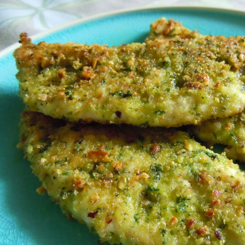 chicken fillets crusted with pistachios