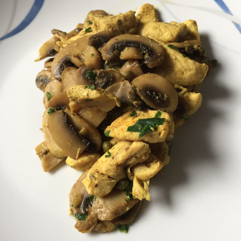 Chicken and mushroom curry