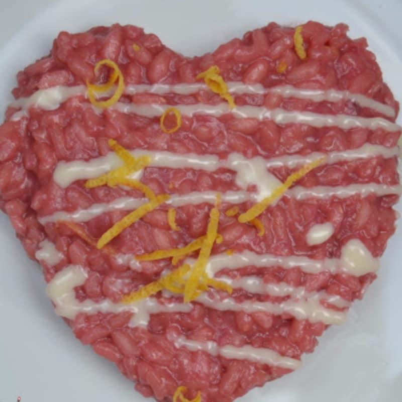 Risotto alla barbabietola rossa con fonduta di castelmagno