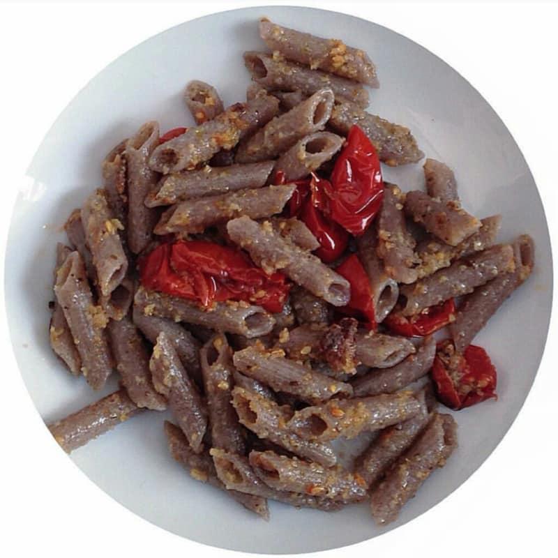 Trigo sarraceno Penne con tomate gratinado